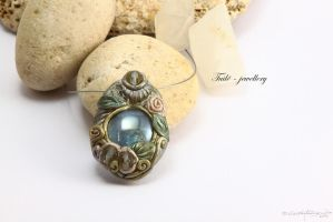 Pearly silver by Tuile-jewellery