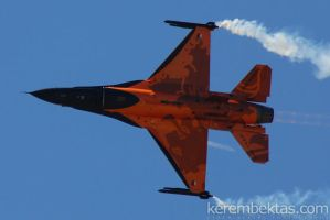 RNLAF F-16 Solo Demo by keremizmir