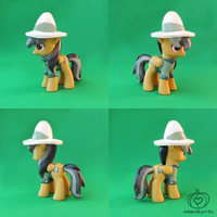 Daring Do Custom by Amandkyo-Su