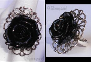 Dark elegance ring by Gloomyswirl