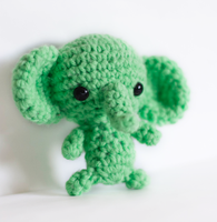 Green Elephant by tiny-moon