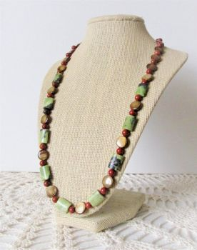 Redwood Holiday - Bead Necklace by tinselizzi