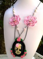 Necklace Grave of Roses by Jin-ju