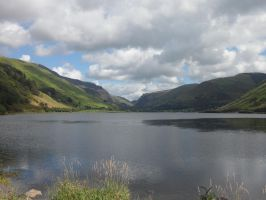 Tal-Y-Llyn Lake by starry-eyed07