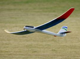 RC Glider Landing by shelbs2