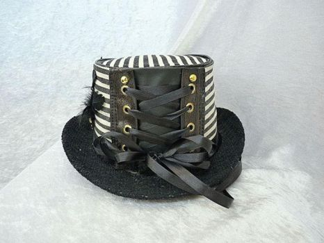 Buckled Black and white top hat back by Serata