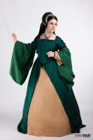 Tudor green court gown by DanielleFioreModel