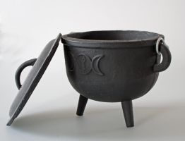 Cauldron4 by LughoftheLongArm