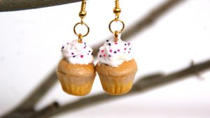 Vanilla Cupcake Earrings by polgabice
