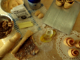 Cinnamon Bun Preparation Board by sonickingscrewdriver