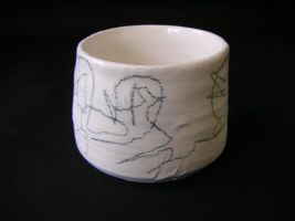 Small Drawn Pot by mariane
