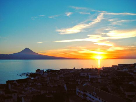 Sunset between Pico and Faial island - Azores by pedrdias