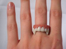 Finger Fangs by Whitness