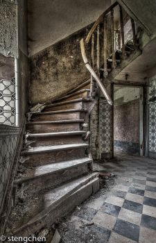 Old Stairs by stengchen