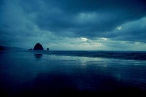 Haystack Rock, Cannon Beach, Oregon by xSiorcanna