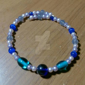 Blue and silver beaded memory wire bracelet by Laihi