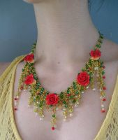 Enchanted Garden necklace worn by HeddaLee