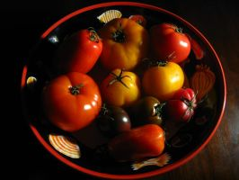 Heirloom Tomatoes by mrskupe