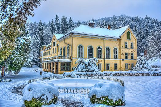 Spa in the snow by barukcic