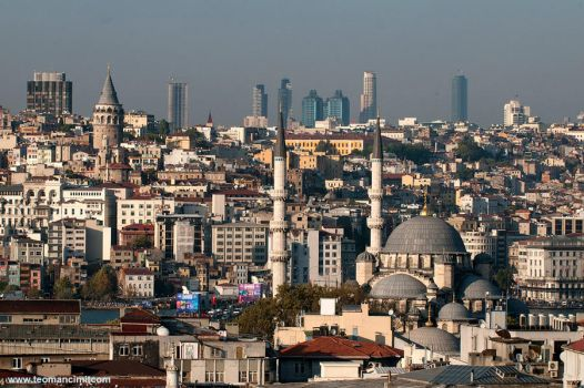 Getting higher, Istanbul by phototheo