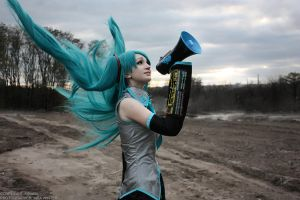 Hatsune Miku - Love is war by kirawinter