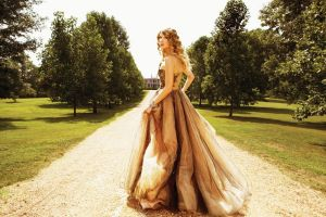 Taylor Swift Enchanted by Taylor-Swift-13
