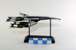 Mass Effect's Normandy papercraft by airasumi