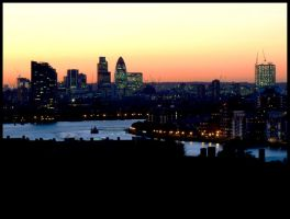london by night by ginTonic13