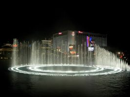Bellagio Fountains by asm495