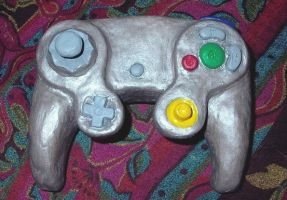 game cube silver controller by friendlyearthworm