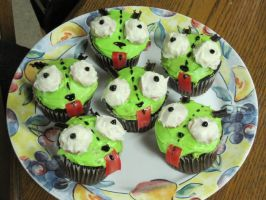 Gir Cupcakes by featherfire520