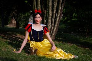 Snow White by Bewitchedrune