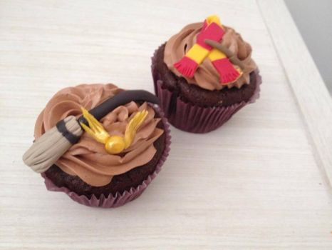 Harry Potter Cupcakes by bruhway