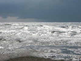 Waves by Eteria-Stockphoto