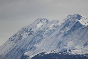 Alaska Mountains 1 by xdancingintherain