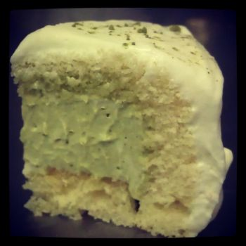 Green Tea Mousse Cake by asthetiq