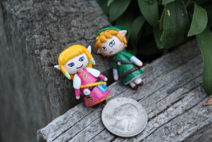 Zelda and Link Figures by AnnalaFlame