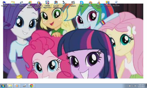 Smile for the camera! (My current desktop) by Agufanatic98