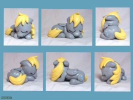 Sleeping Derpy Sculpture by CadmiumCrab