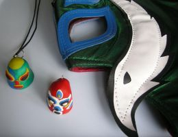 Luchador thumb mask pendants by Dinuguan