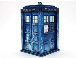 Christmas Tardis in my style by hontor