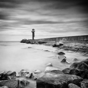 Breakwater Light by hunterside