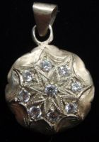 Snowflake Pendent by biancaneve81