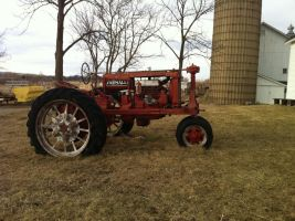 red tractor by fo-shizzles