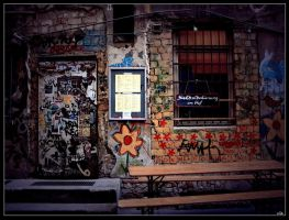 Ein alter Hof... by wild-rebeca