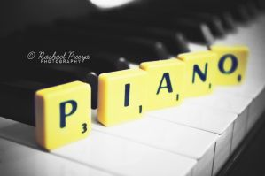Piano. by this-is-the-life2905