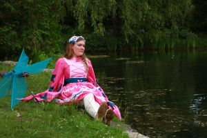 Sitting by the rivershore by jusdepomme