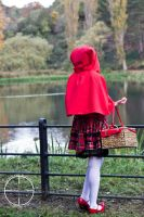 Red Riding Rei at the lake by Cairdiuil