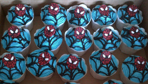 Spiderman Web Cupcakes by Lucrecia1511