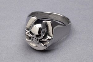 Skull Ring by DaveRichardsonArt